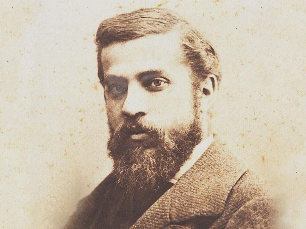 . Antoni Gaudí .