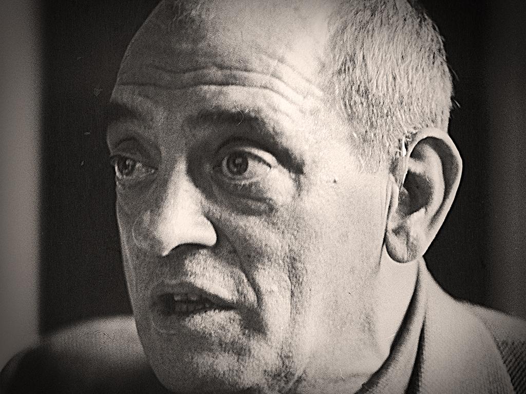 . Luis Buñuel .