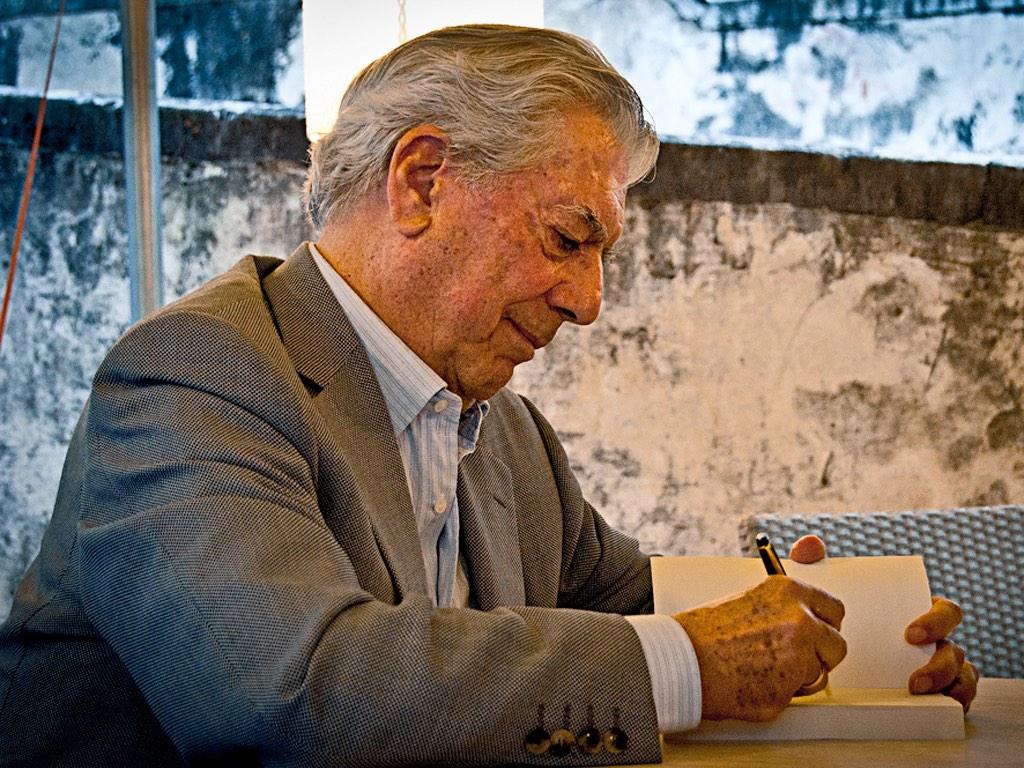 . Mario Vargas Llosa .